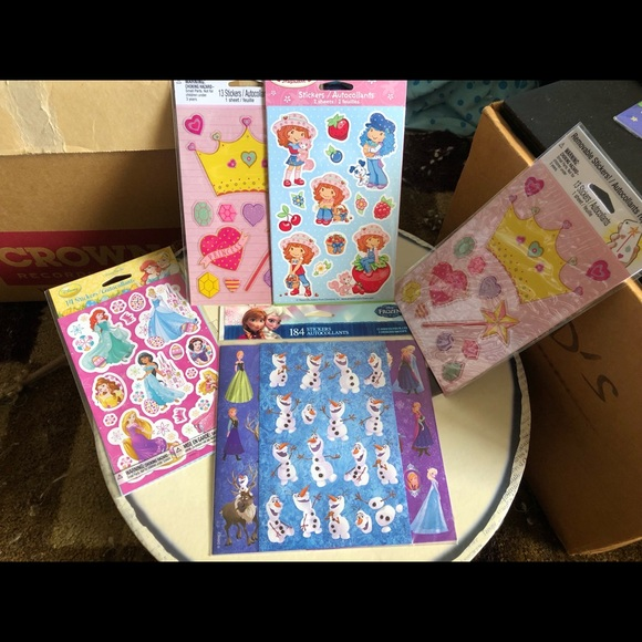 Other - 5 packs 250 stickers Frozen, princess Disney